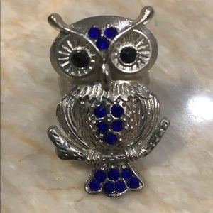Adjustable Owl Ring blue crystals